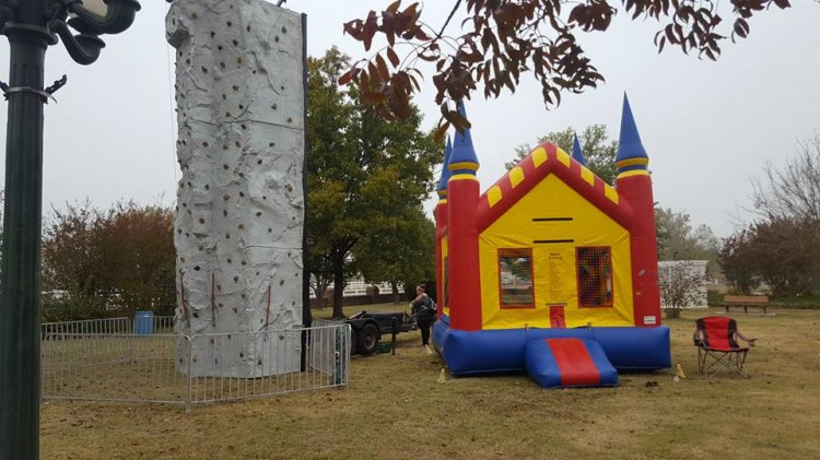 Castle Moon Bounce